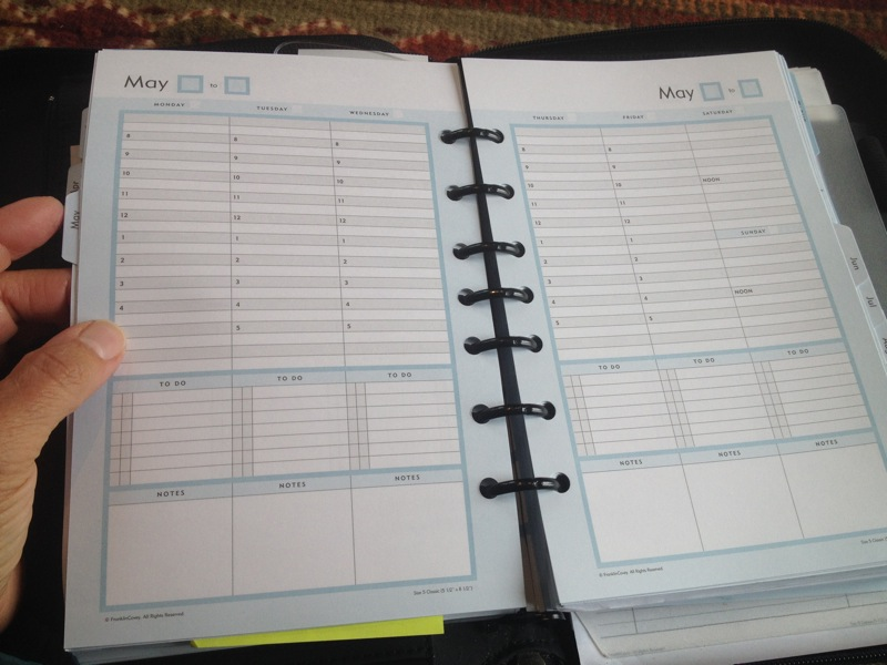 The inside week sheets of the Franklin Covey Daily Planner